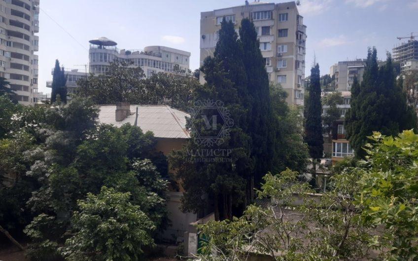 Трёхкомнатная квартира в центре Ялты по ул. Гоголя, д. 24